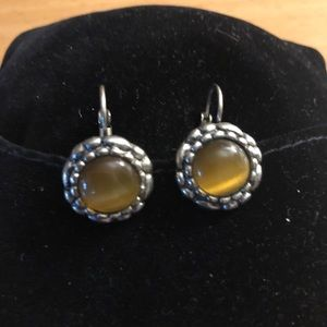 Earrings with yellow crystal